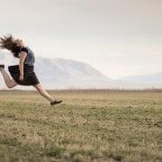 ¿Cómo utilizar una falda midi según el cuerpo?