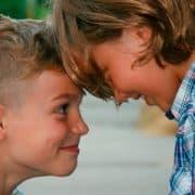 6 Maneras de fortalecer las relaciones entre hermanos